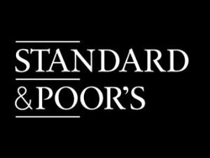 """""""Dalle stelle alle stalle"""": le agenzie di rating criticate per i giudizi troppo generosi"""