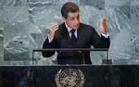 Nicolas Sarkozy propone un piano di rialzo delle banche. Arriva la smentita.