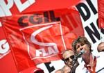 Cgil-Cisl e Uil pronti a scioperare lunedì 12 contro la manovra Monti