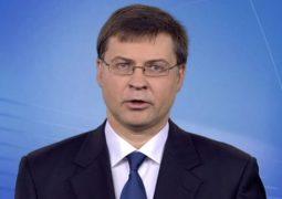Debito pubblico, Italia su strada giusta per Valdis Dombrovskis
