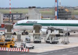 Il percorso di Ferrovie dello Stato nell'acquisizione di Alitalia