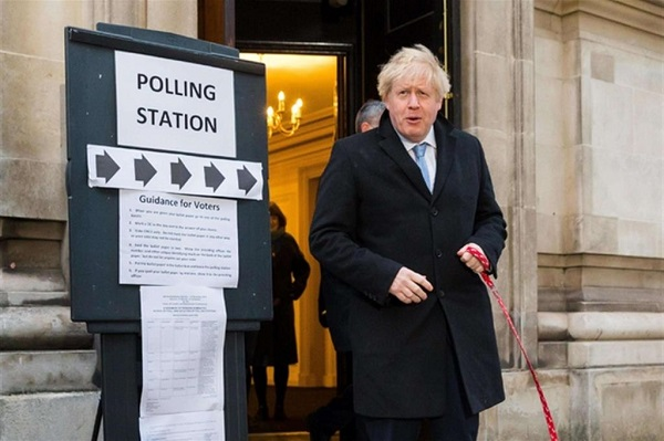 premier inglese entusiasta risultato elezioni